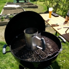 Grill für die Bacon Bomb anfeuern
