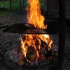 Die Glut ist fast grillbereit für die Nachzügler…