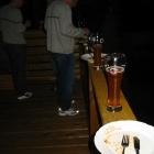 Unser Tisch, Claus im Hintergrund
